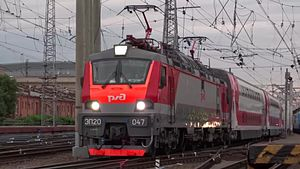 Файл:EP20-047 with double-decker train departure from Saint Petersburg Moskovsky.webm