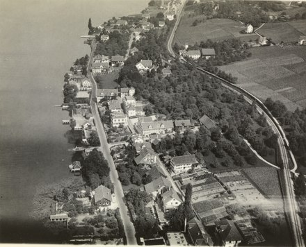 Aerial view from 300 m by Walter Mittelholzer (1927)