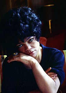 Eartha Kitt 22 Allan Warren.jpg