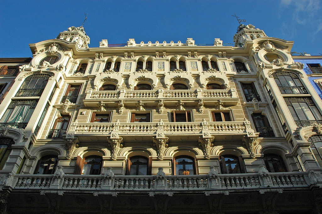 Modernismo the spanish art nouveau or modern style for Edificio de correos madrid