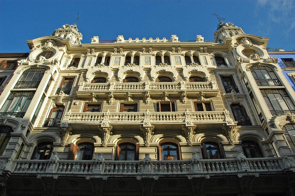 Modernismo the spanish art nouveau or modern style for Edificio de correos madrid