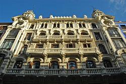 PROPUESTAS DE RULADA DE LA COMUNIDAD DE MADRID - DOMINGO 8 DE MARZO 250px-Edificio_de_la_Compa%C3%B1%C3%ADa_Colonial_%28Madrid%29_01