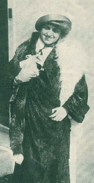 Edith Rosenbaum - Edith Rosenbaum (later Russell), shortly after her rescue from the Titanic, carrying the toy pig with which she escaped the ship