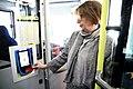 El pago con tarjeta bancaria y móvil, una realidad inmediata en los buses de EMT 06.jpg