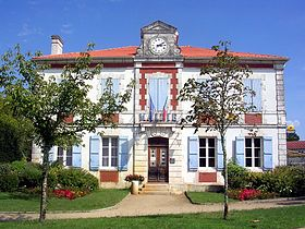 Escource Mairie.JPG