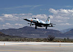 F-5N of VFC-13 lands at NAS Fallon in April 2015.JPG