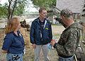 FEMA - 30777 - FEMA Community Relations workers talk to resident.jpg