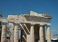 Façana est dels Propileu, Acròpoli d'Atenes.JPG