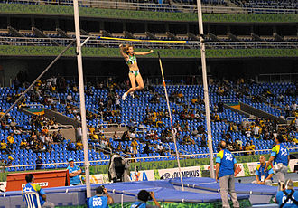 Athletics at the 2007 Pan American Games - Fabiana Murer en route to a pole vault Games record