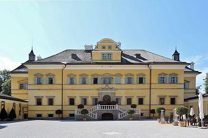Fassade Schloss Hellbrunn.JPG