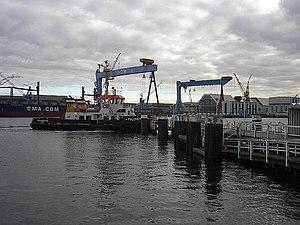 Ferry and cranes in Kiel -a.jpg