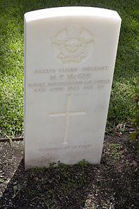 Flight Sergeant M P McGee gravestone in the Wagga Wagga War Cemetery.jpg