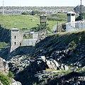 Folsom Guard Towers, North wall - panoramio.jpg