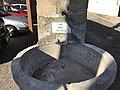 Fontaine de l'ancienne église de Beynost.jpg