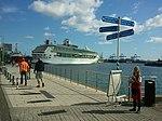 """Fotos del crucero """"Splendour of the Seas"""" de Royal Caribbean en el muelle de Santa Catalina del Puerto de Las Palmas de Gran Canaria Islas Canarias (6424807025).jpg"""