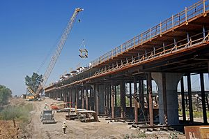 Fresno River Viaduct - Image: Fresno River Viaduct construction 2016b
