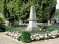 Fresnoy-la-Rivière (60), monument aux morts.jpg