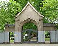 Friedhof Schoeneberg III Entry.jpg