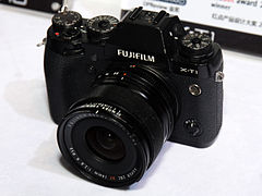 Fujifilm X-T1 front-left 2016 China P&E.jpg
