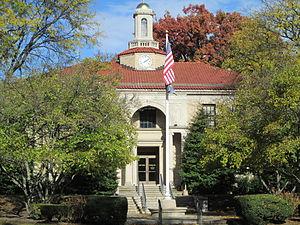 Glen Ridge, New Jersey - Glen Ridge Borough Hall in autumn