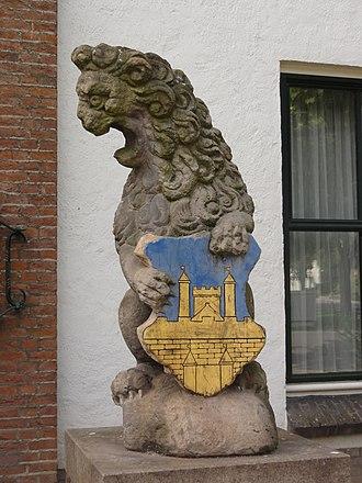 Gendt - Image: Gendt Rijksmonument 16076 rechter wapenleeuw voorm. gemeentehuis