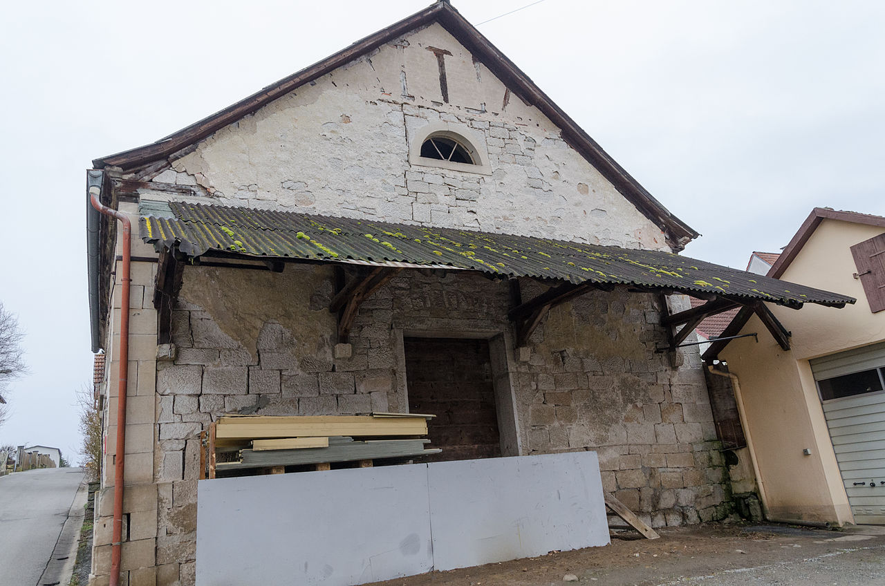 Großeibstadt, Kleineibstadt, Wegkreuz, An der Barget, Ehem. Synagoge, 002.jpg