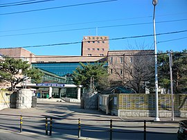 Gumi Sangmo Middle School.JPG