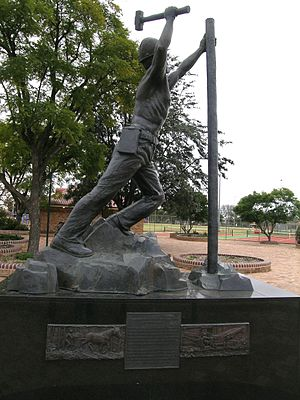 Gunnedah - Monument to miners who have lost their lives, Gunnedah, NSW