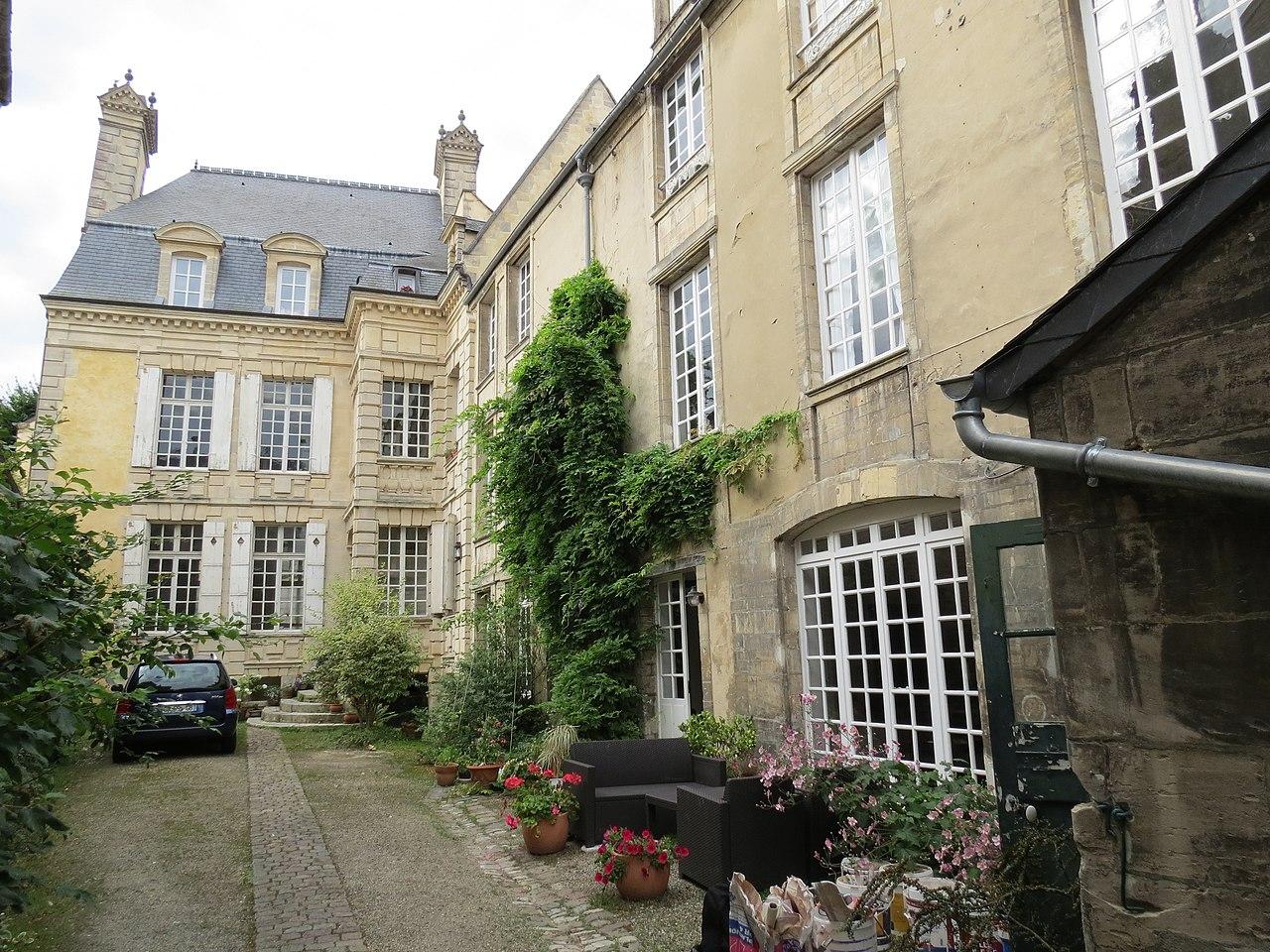 Datei:Hôtel Morel de la Carbonnière 3.JPG – Wikipedia
