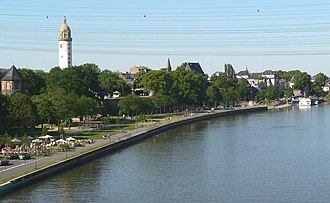 Höchst (Frankfurt am Main) - Image: Höchster Mainufer Batterie 2