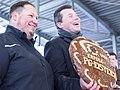 Harald Fichtner (rechts) und der damalige Sportbürgermeister Florian Strößner (links) bei der Eröffnung des Sportzentrums am Eisteich 2018.jpg