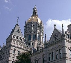 Vista del Capitolio Estatal de Connecticut, en Hartford.