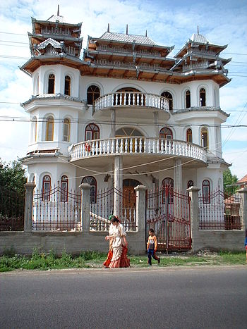 House of a wealthy Gypsy-family in Huedin, Romania