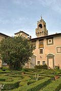 III Castello di Montegufoni, Itália 3 (2) .jpg