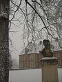 INA P-G Buste et parc sous la neige.jpg