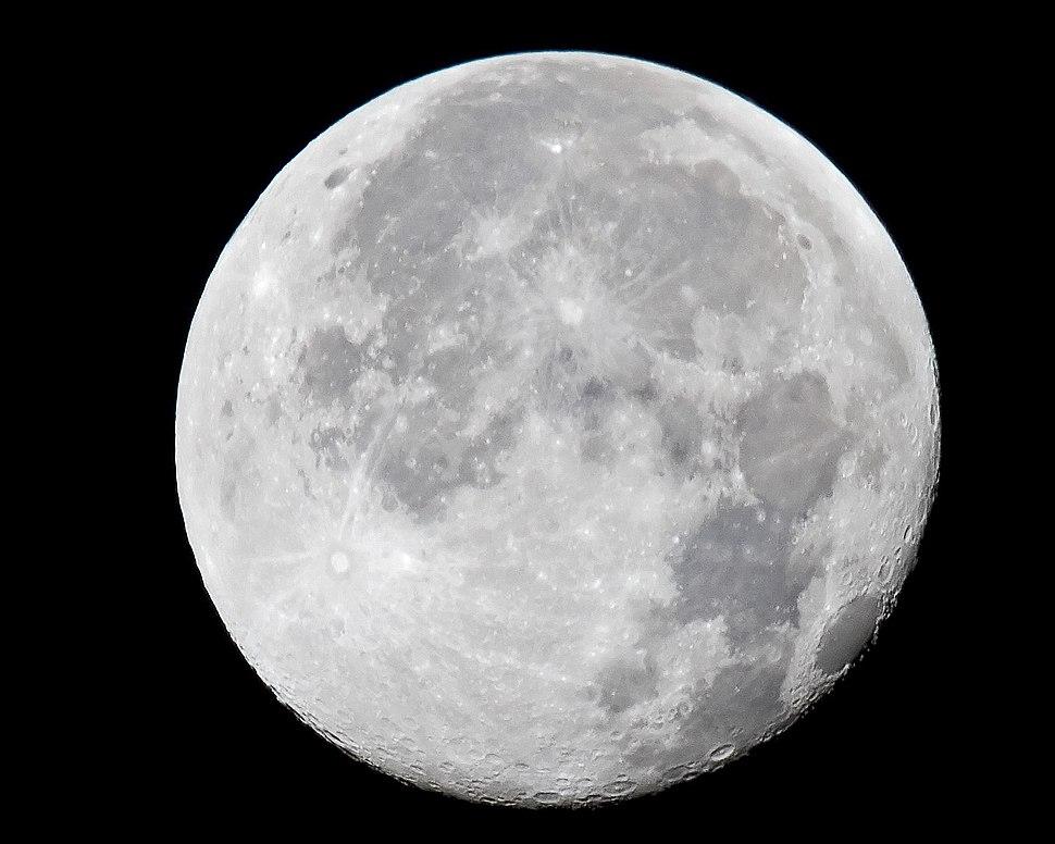 Ibm4381 - Moon at 16x (by)