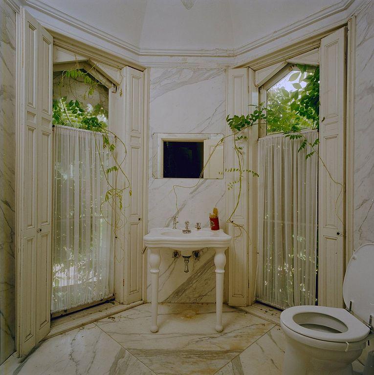 ... wasbak en toilet - Langbroek - 20334698 - RCE.jpg - Wikimedia Commons