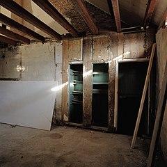 File:Interieur, houten wand met inbouwkasten, tijdens werkzaamheden ...