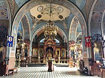 Interior of Church of Dormition of the Theotokos at Petushki 03.jpg