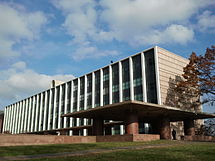 Photograph of the J. W. Gibbs Laboratories, Yale University