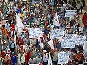 Colère collective lors d'une manifestation à Jakarta.