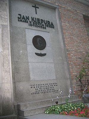Jan Kiepura - Grave of Kiepura at Powązki Cemetery in Warsaw.