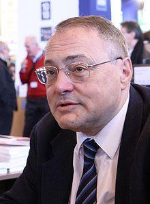 http://upload.wikimedia.org/wikipedia/commons/thumb/4/4c/Jean-Christian_Petitfils_-_Salon_du_livre_de_Paris_2010.jpg/220px-Jean-Christian_Petitfils_-_Salon_du_livre_de_Paris_2010.jpg