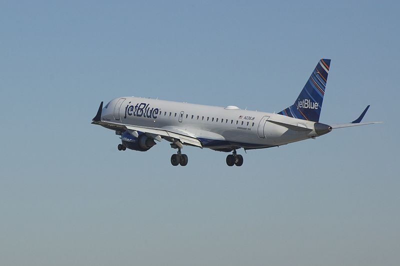 File:JetBlue Embraer 190 N238JB 1.jpg