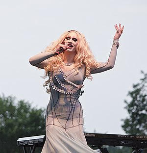 Jinkx Monsoon 006 - DC Capital Pride street festival - 2013-06-09 (9001924615).jpg