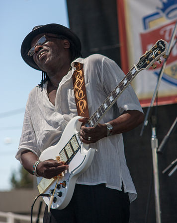 Joe Louis Walker at Petaluma festival.jpg