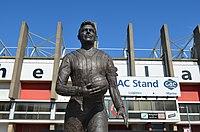 Joe Shaw statue.jpg