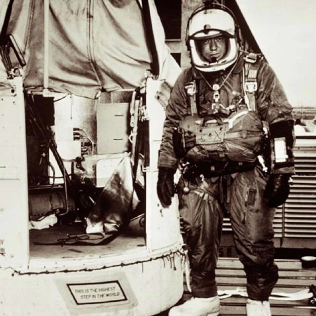 Joseph Kittinger and the Excelsior gondola.jpg