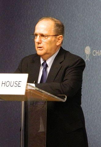 Juan E. Méndez - Juan Méndez speaking at Chatham House in 2012