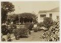 KITLV - 29178 - Garden at Hotel de l'Europe, Singapore - 1895.tif